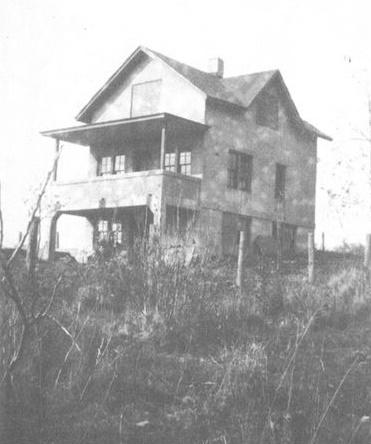 Pest house photo