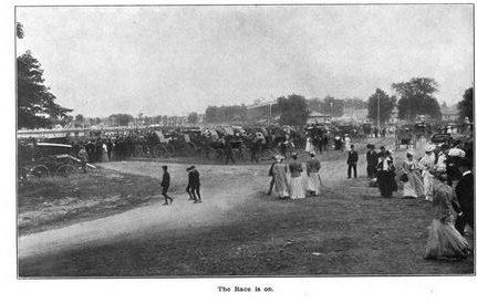 Picture of race attendees at the Wisconsin State Fair in Milwaukee, WI in 1906